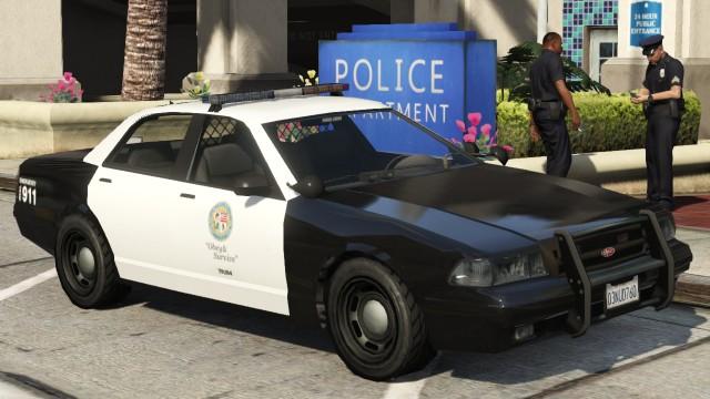 GTAの警察って沸点低すぎだろ向こうからぶつかってきたくせにsorryも言わず指名手配&発砲とか頭おかしい
